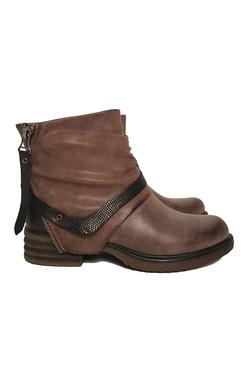 Boots med blixtlås
